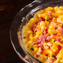 Macaroni and Cheese with Ham Cheddar and Chives
